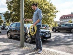 Londres transforme ses lampadaires en bornes de recharge électriques