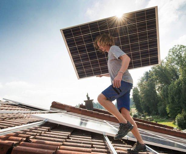 Demain, on achètera ses panneaux photovoltaïques chez Ikea