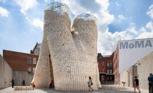 La Mushroom Tower construite dans la cour du Moma PS1 à New York, la première tour entièrement organique. © The Living.